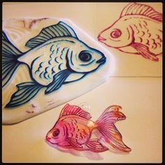 金魚プラバン gold fish #shrinkplastic #goldfish #eraserstamp #プラバン #プラ板 #消しゴムはんこ