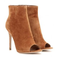 Gianvito Rossi mytheresa.com Exclusive Suede Open-Toe Ankle Boots (1,055 CAD) ❤ liked on Polyvore featuring shoes, boots, ankle booties, brown, ankle boots, suede boots, short boots, suede ankle boots and open toe bootie