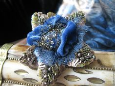 """Купить брошь""""дивный сад"""" - голубой, цветы, вышитые украшения, брошь цветок, авторская ручная работа"""