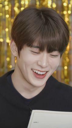 Vlive Nct, Jung Yunho, Nct Yuta, Jung Yoon, Valentines For Boys, Jung Jaehyun, Jaehyun Nct, Taeyong, Nct 127