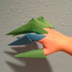 FUN FOR ANYTIME! How to make an origami claw via @Guidecentral - Visit www.guidecentr.al for more #DIY #tutorials