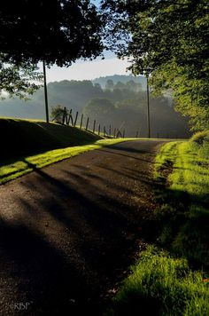 very pleasant Spring morning on a Fayette County country road.    2014 Rick Burgess Photography