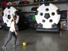 aufblasbare Fussballwand Sconto - Anfertigung aufblasbarer Spiele nach Kundenwunsch. Soccer Ball, Games, European Football, European Soccer, Soccer, Futbol