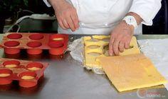 Step 6 - Mini bavarese mignon all'arancia Dairy, Cheese, Mini, Desserts, Food, Tailgate Desserts, Deserts, Essen, Postres