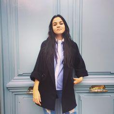 Weekend! @carlynicieza @paucalzon #isabelarango #isabelarangoclothes #oviedo #calleasturias5 #jacket #shirt #outfit #outfitoftheday #fashion #fashiondesign #madeinspain