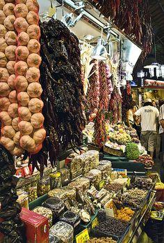Colors de La Boqueria, Barcelona. For more information check our website http://casamona-holidays.com/category/shopping/