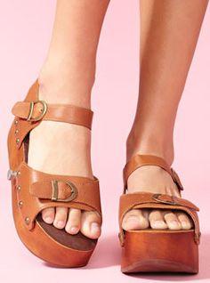jeffrey campbell rollerskate sandals