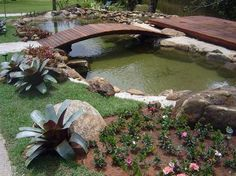 Backyard Pond Landscaping Small Gardens Landscaping Designs for a Backyard Pond Backyard Pond Landscaping Small Gardens. Landscaping designs that are going around or near a pond can be a little tri… Koi Pond Design, Garden Landscape Design, Pond Landscaping, Ponds Backyard, Pond Decorations, Design Fonte, Design Design, Goldfish Pond, Garden Waterfall