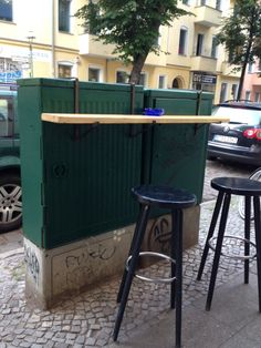 art-and-weise. Urban Furniture, Street Furniture, Furniture Design, Urban Ideas, Urban Intervention, Public Space Design, Diy Mode, Space Architecture, Built Environment