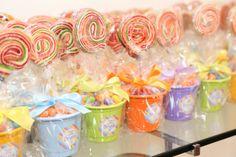 Festa da Bruna: Lembrancinhas - PirulitoBalas e Laços de Cabelo.