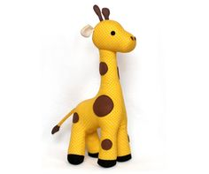 Sew this plush giraffe with this great plushie pattern! This giraffe softie is 37 cm / 15 inch when finished. This adorable softie pattern has an easy to. Plushie Patterns, Softie Pattern, Giraffe Crochet, Giraffe Pattern, Cute Sewing Projects, Sewing Patterns For Kids, Stuffed Animal Patterns, Stuffed Animals, Stuffed Giraffe