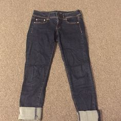 Stretch, skinny, Crop jeans, dark wash -AE 8 Dark wash crops in skinny fit (stretch material) - American Eagle size 8 American Eagle Outfitters Jeans Ankle & Cropped