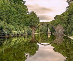 As normality slowly returns to our lives, and more and more people are vaccinated, our ability to travel also gradually improves. Should you happen to find yourself in the regions of Saxony and Thuringia, known as the Cultural Heart of Germany, here's a selection of top experiences, including magical bridges and trails in gloriously unspoilt […] The post 6 of the best ways to experience the Cultural Heart of Germany appeared first on A Luxury Travel Blog.