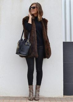 Winter Boots Outfits, Simple Fall Outfits, Winter Fashion Outfits, Autumn Fashion, Casual Outfits, Girly Outfits, Booties Outfit, Animal Print Outfits, Snake Print