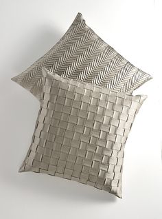 Cushions with Basket Pleat and Hollywood Pleat in White Gold by Bruno Triplet. Sofa Pillows, Accent Pillows, Floor Pillows, Throw Pillows, Pillow Fabric, Cushion Fabric, Fabric Art, Classic Decor, Scatter Cushions