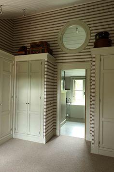 Isabel López-Quesada | Projects Wall Paint Colors, House, Interior, Home, Closet Bedroom, Bath Inspiration, Bedroom Decor, Interior Design, Custom Furniture