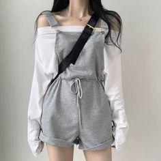 Korean Girl Fashion, Korean Fashion Trends, Ulzzang Fashion, Korean Street Fashion, Teen Girl Fashion, Korean Fashion Casual, Japan Fashion Casual, Korean Fashion School, Korean Fashion Shorts