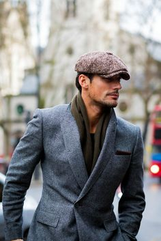 David Gandy before E. Tautz fashion show at Photo by Gentleman Mode, Modern Gentleman, Gentleman Style, Mode Masculine, Vêtement Harris Tweed, Best Street Style, Sharp Dressed Man, Well Dressed Men Over 50, Mens Fashion Suits