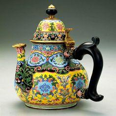 Cloisonné Tea pot @ National Palace Museum of Taiwan