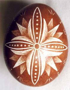 Karcolt tojás - Scratch-carved egg (55)