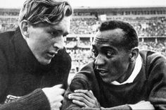 Many people have heard of Jesse Owens, the black American athlete who triumphed in front of Hitler during the 1936 Olympic Games in Berlin 1936 Olympics, Berlin Olympics, Summer Olympics, Jesse Owens, Rick Owens, Interesting History, African American History, Track And Field, Olympic Games