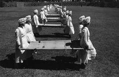 Esercitazioni delle crocerossine, 1938  Azabu, Tokyo Ken Domon Museum of Photography