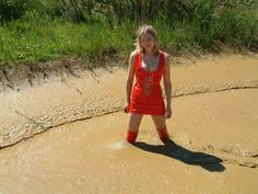 Red Thighboots in the MUD - Muddy High Heels | Thigh high