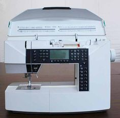 This week we're continuing our tour of the Husqvarna Viking Designer Jade Sewing Machines Best, Sewing Machine Reviews, Machine Embroidery Projects, Machine Applique, Embroidery Designs, Sewing Hacks, Sewing Projects, Sewing Tips, Viking Sewing Machine
