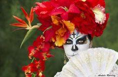 mexican skull makeup caritas de catrina maquillaje halloween niña maquillaje de catrina solo la mitad makeup calavera catrina maquillaje sencillo calavera make up skull make up Catrina Tattoo, Ideas Geniales, Day Of The Dead, Garden Sculpture, Up, Mexico, Outdoor Decor, Home Decor, Simple Makeup