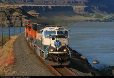 RailPictures.Net Photo: BNSF 9629 BNSF Railway EMD SD70MAC at North Dalles, Washington by Rob Jacox
