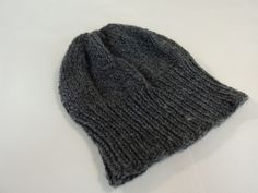 Handcrafted Reversible Slouchy Hat Medium Gray Textured 100% Merino Wool Female -- New No Tags