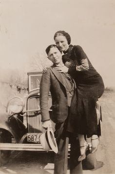 Buy online, view images and see past prices for Clyde Barrow & Bonnie Parker (Bonnie & Clyde). Barrow family photo albums and scrapbooks. Bonnie Parker, Bonnie And Clyde Halloween Costume, Halloween Costumes, Bonnie And Clyde Pictures, Bonnie And Clyde Death, Bonnie And Clyde Tattoo, Whatever Forever, Mafia, Family Photo Album