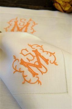 Embroidery Alphabets Bracelets Initials don't have to be side-by-side. Our Sadie embroidered monogram is a perfect example of that. - Initials don't have to be side-by-side. Our Sadie embroidered monogram is a perfect example of that. Monogram Logo, Monogram Design, Monogram Styles, Letter Monogram, Logo Design, Embroidery Monogram, Embroidery Fonts, Machine Embroidery, Embroidery Designs