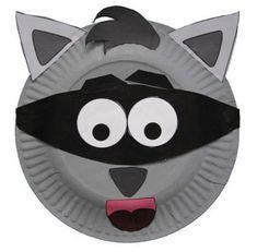 Maschera da procione con piatti carta