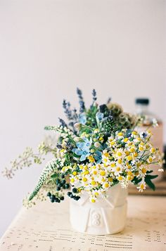Blue and yellow floral arrangement with feverfew daisies. My Flower, Fresh Flowers, Flower Power, Wild Flowers, Beautiful Flowers, Spring Flowers, Spring Blooms, Beautiful Things, Simple Flowers