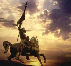 La statue de Godefroy de Bouillon, descendant de Charlemagne, la place Royale