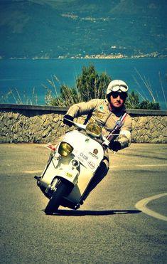 Vespa 300, Vespa Bike, Piaggio Vespa, Lambretta Scooter, Vespa Scooters, Motorcycle Design, Motorcycle Style, Biker Style, Vespa Retro