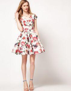 Çiçek Desenli Elbise Modelleri