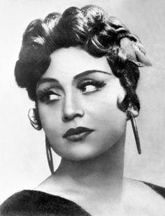 Galina Kareva  Soviet opera singer, People's Artist of the RSFSR.       Born December 31, 1928, Nikolsk, Penza region, USSR      Died February 2, 1990 (61 year), Moscow, USSR