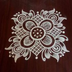 Simple Rangoli Border Designs, Rangoli Designs Latest, Rangoli Designs Flower, Rangoli Patterns, Free Hand Rangoli Design, Small Rangoli Design, Rangoli Ideas, Rangoli Kolam Designs, Rangoli Designs With Dots
