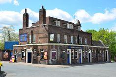 https://flic.kr/p/bWQT4L | The Railway Hotel | The Railway Hotel, Station Approach, Dartford.