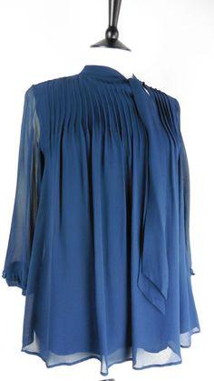 6cd391eed86ca Ronit Zilkha Size 10 Blue Blouse 100% Silk Chiffon