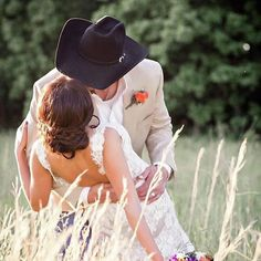 weddingdress big What makes a gorgeous cowgirl photo even better An americanhatco hat of course! Cowgirl Wedding, Wedding Bride, Dream Wedding, Cowboy Weddings, Barn Weddings, Outdoor Weddings, Wedding Signs, Perfect Wedding, Ranch Weddings