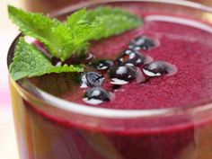 Harley Pasternak's Famous Red Berry Smoothie Recipe  