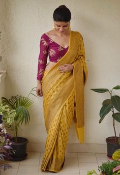 Mustard gold printed chakori ethnic saree Chakori Ethnic Chanderi Saree Price: INR Buy from Chakori Ethnic Indian Blouse Designs, Saree Blouse Neck Designs, Blouse Patterns, Sari Blouse, Blouse Sexy, Collar Blouse, Sari Design, Designer Kurtis, Designer Sarees