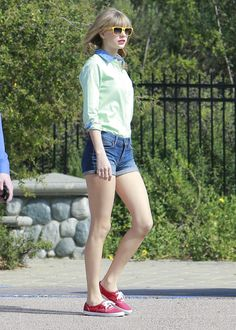 Taylor Swift's style is so cute! :)
