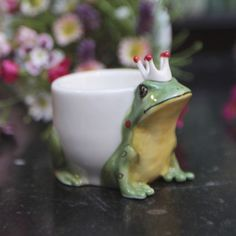 Frog Prince Egg Cup Vintage Egg Cups, Cute Egg, Frog Pictures, Animal Magic, Eggs, Henny Penny, Prince, Tableware, Cup Holders