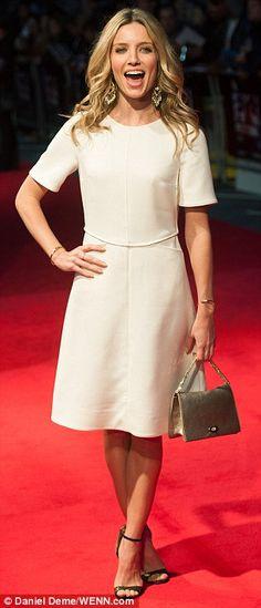 Annabelle Wallis + dress