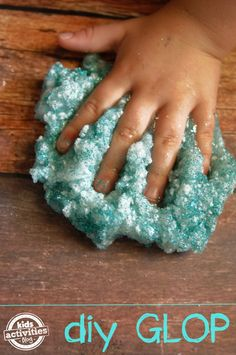 Glitter Glop Recipe. You won't believe what she used to make this!