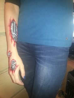 spezial effects - terminator style Special Effects, Fish Tattoos, Class Ring, Make Up, Artist, Style, Swag, Artists, Makeup